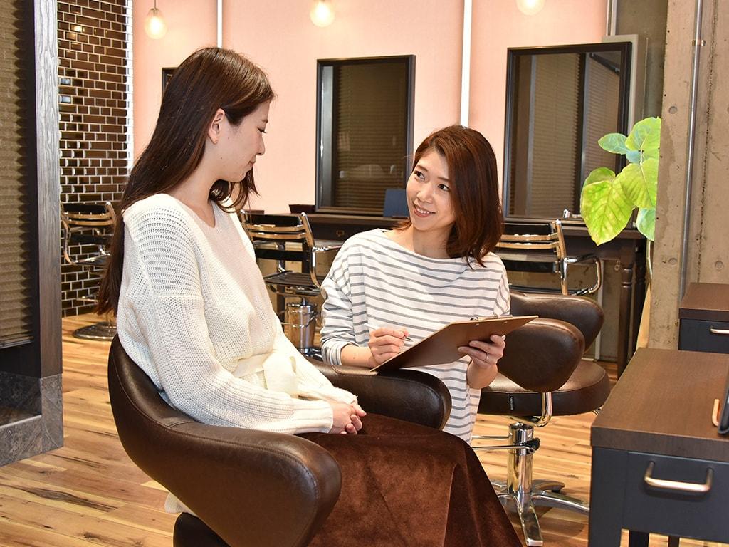頭皮診断、毛髪診断チャートに基づき、今のお客様の状態をしっかり確認いたします